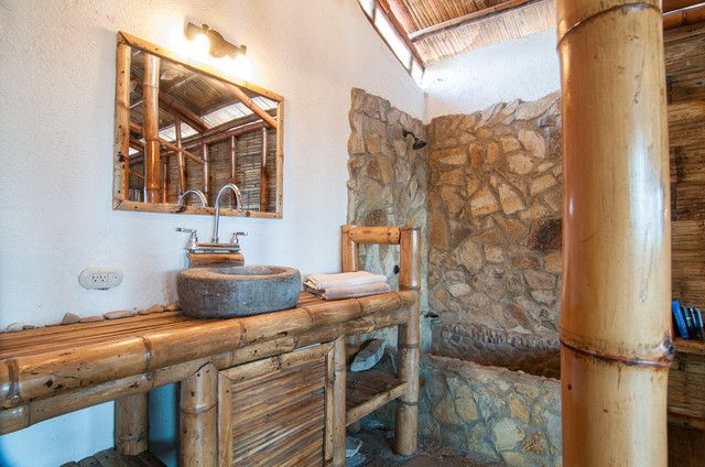 17 best ideas about bamboo bathroom on pinterest zen for Bamboo bathroom decorating ideas