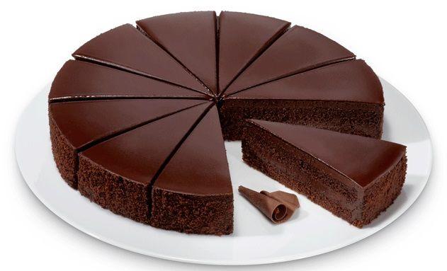 Frambuesas, Torta de Chocolate con Mazapán, Kuchen de Arándanos, Kuchen de Ricotta y Strudel de Nuez. Aquí: http://www.perenellelongpre.com/pasteleriaalemanaonline