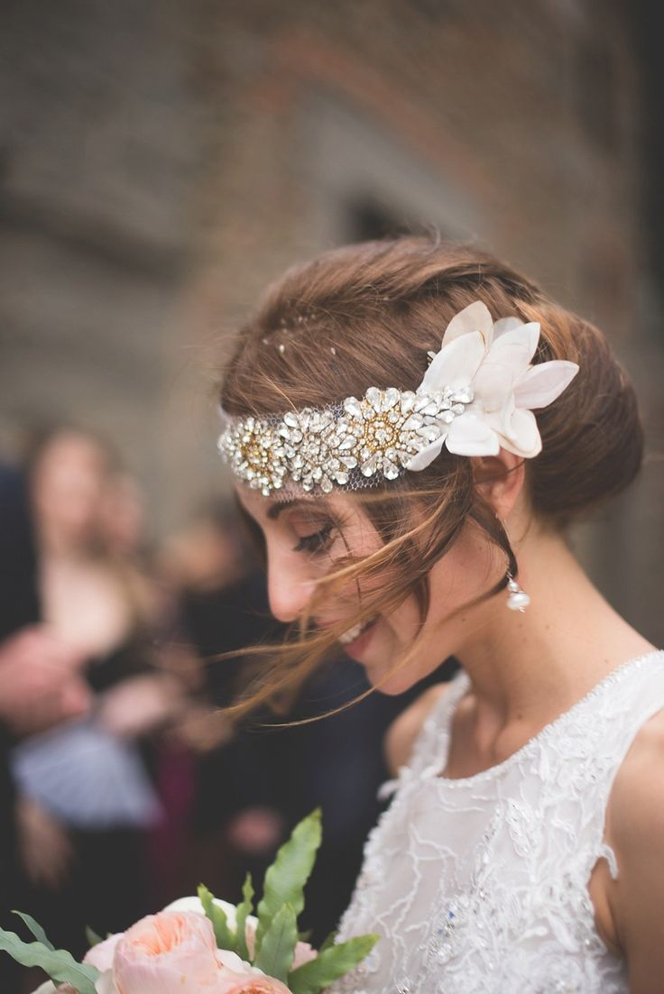 Feather coal hair accessories emily kent wedding hair bridal musings - A Modern Midnight Garden Inspired Autumn Wedding Gatsby Weddinghotel Weddingwedding Blogitalian Weddingsbridal Hairbridal
