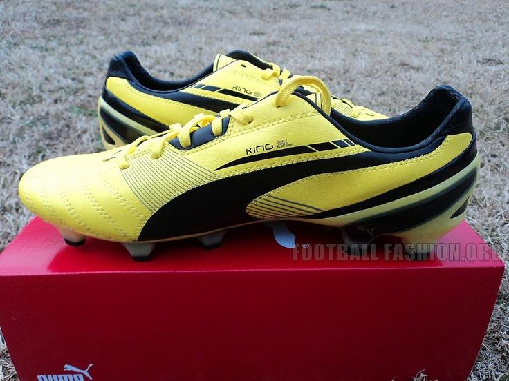 PUMA King SL Soccer Boot: An Up-Close Look