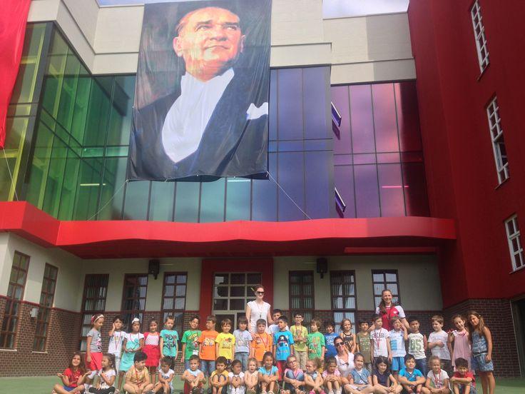 Yeni açılan Sancaktepe - Çekmeköy kampüsünde öğrencilerimiz, yeni öğretim dönemine hazırlık amacıyla başlayan kurs programına katıldı. Yeni kampüsümüzdeki tüm öğrencilerimiz okula başladıkları için çok heyecanlıydı.