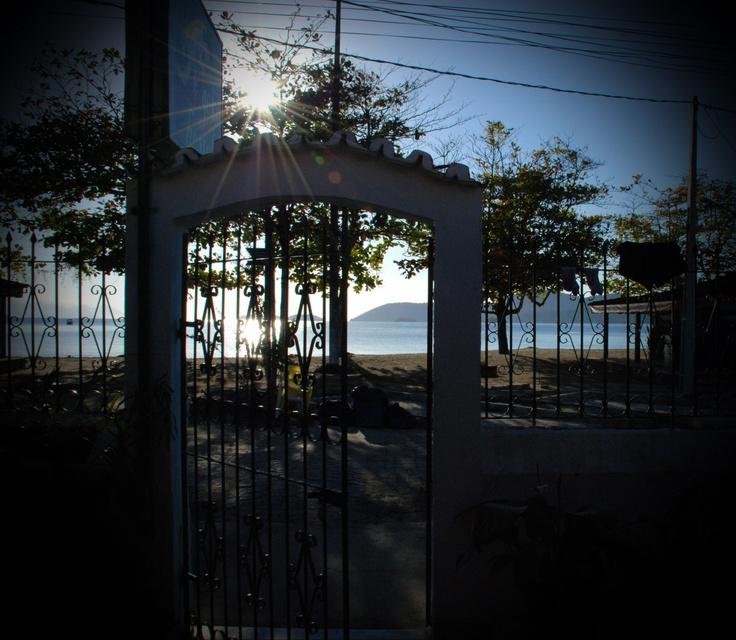 Hostels Paraty - Vista da Praia desde o Geko, Albergue em Paraty.   this is the view from Geko Hostel in Paraty.