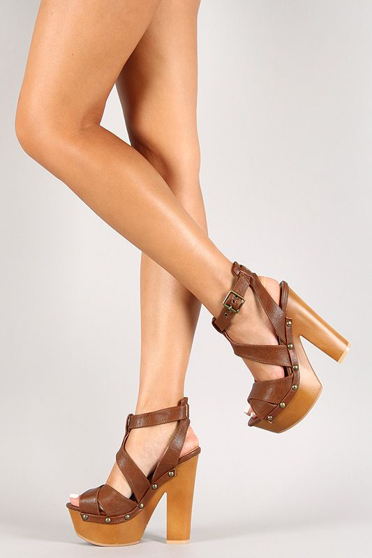 296 Best Images About Feet In Wooden Sandals On Pinterest