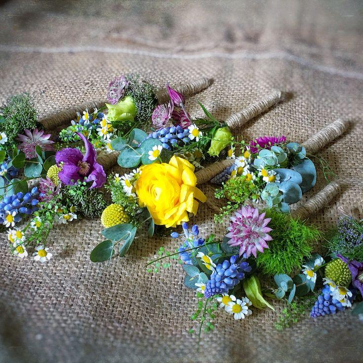 Groom & Usher Buttonholes for an English summer wedding