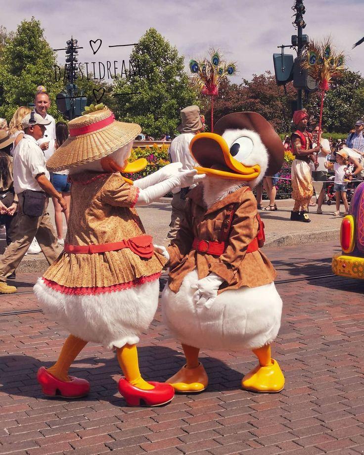 Oh mais qu'ils sont beaux dans leur costumes d'aventuriers.. 🔍 . J-2 retour ….