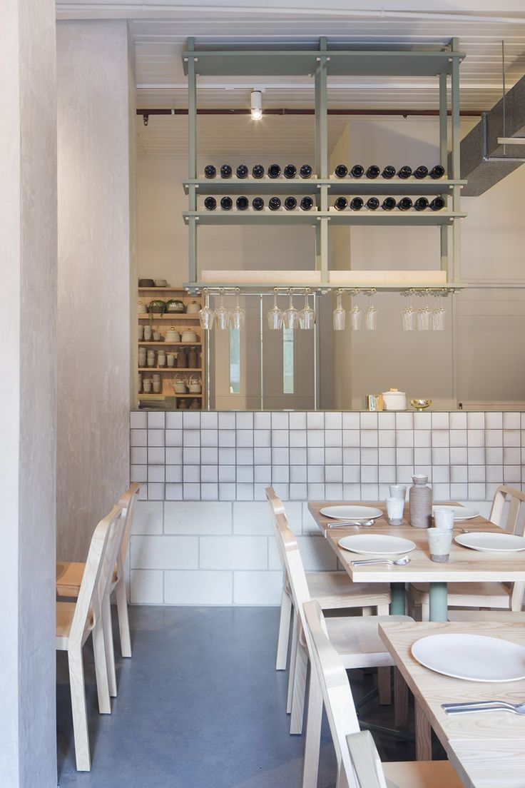 Ruyi dumplings joint in Melbourne's Chinatown ditches stereotypical motifs... http://www.we-heart.com/2014/08/27/ruyi-melbourne/