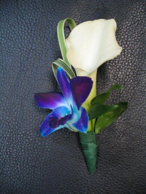 Boutonnière, calla et fleur exotique bleu-mauve, mariage, fleurs naturelles, Le jardin d'Andrée-Anne, www.lejardin.ca