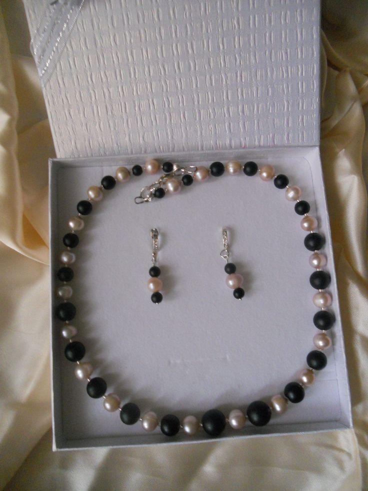 https://flic.kr/s/aHskmc15Xq | Bijuterii cu perle | Misterul perlei