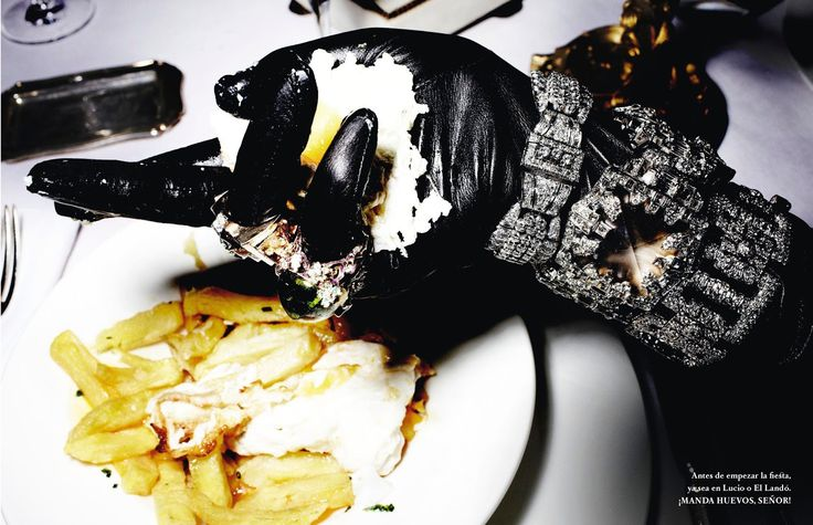 jolgorio y algarabia: natasha poly, aymeline valade, eva herzigova, isabeli fontana, jon kortajarena + more by mario testino for vogue spain december 2012 | visual optimism; fashion editorials, shows, campaigns & more!