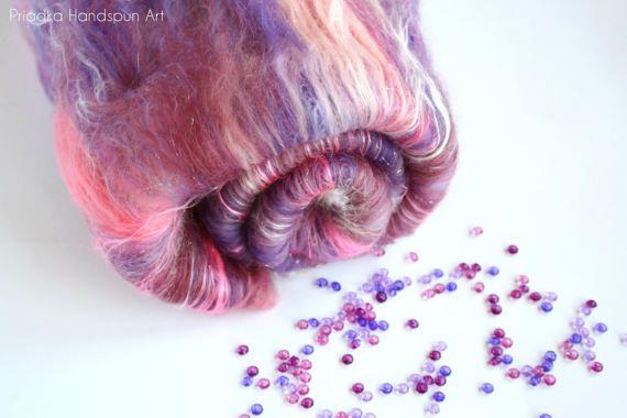 COLORFUL ROSE Spinning batt 19-21 micron Merino wool