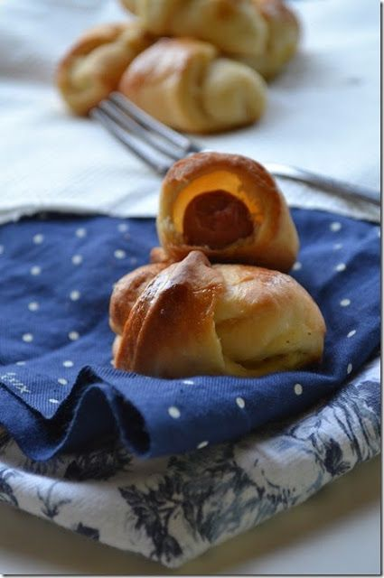 Syntages...apo spiti: Ζύμη για τυροπιτάκια. λουκανοπιτάκια ή ζαμποκοκασεροπιτάκια με ζαχαρούχο