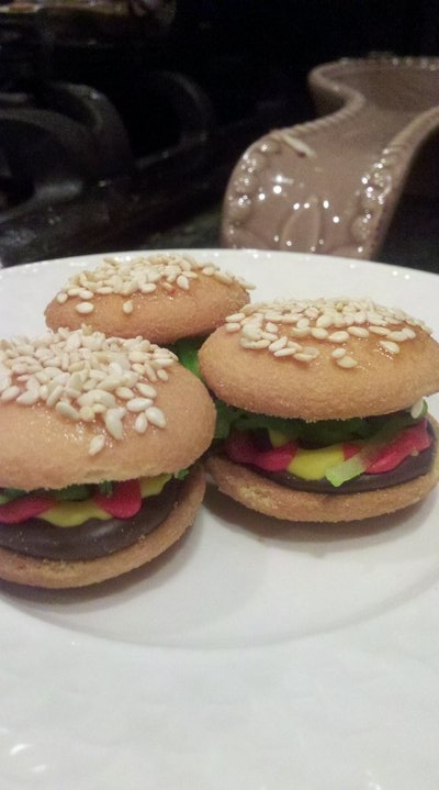 Sweet Mini Burger Cookies That I Made For My Daugthers Preschool Class ...