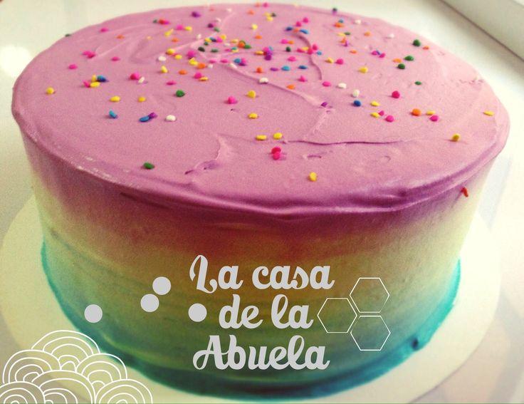 Tricolor cake [patel tricolor y confetti comestible, relleno chocolate]