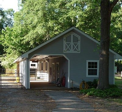 25 best ideas about small horse barns on pinterest for Small metal barns