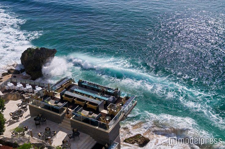 バリ島「ロックバー」の絶景に感動!断崖絶壁にある非日常空間へ<体験レポ> - 女子旅プレス