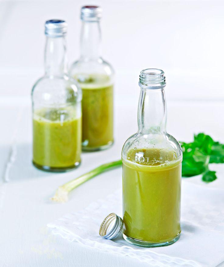Hjemmepresset, grønn juice med masse godsaker
