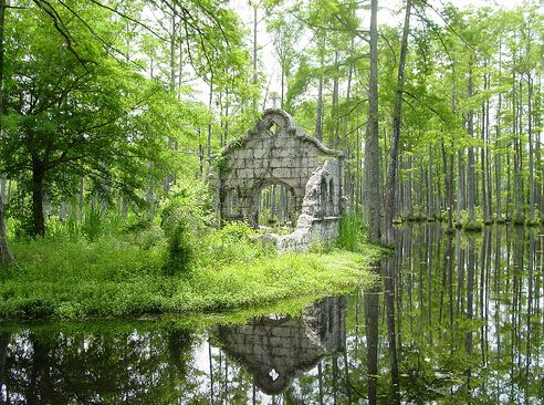 Cypress Gardens (where The Patriot was filmed), just 25 minutes from downtown Charleston off U.S. Highway 52, near Moncks Corner.