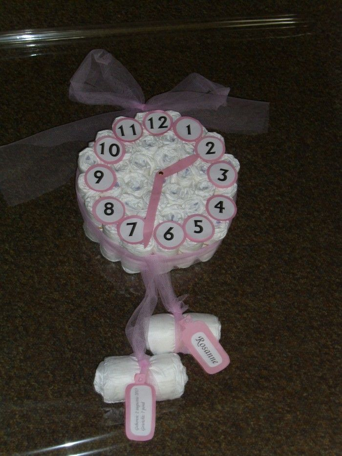 Geboorteklok leuk voor kraamkado... aan de klepels kan een kaartje gehangen worden met naam, geboortedatum, gewicht e.d.
