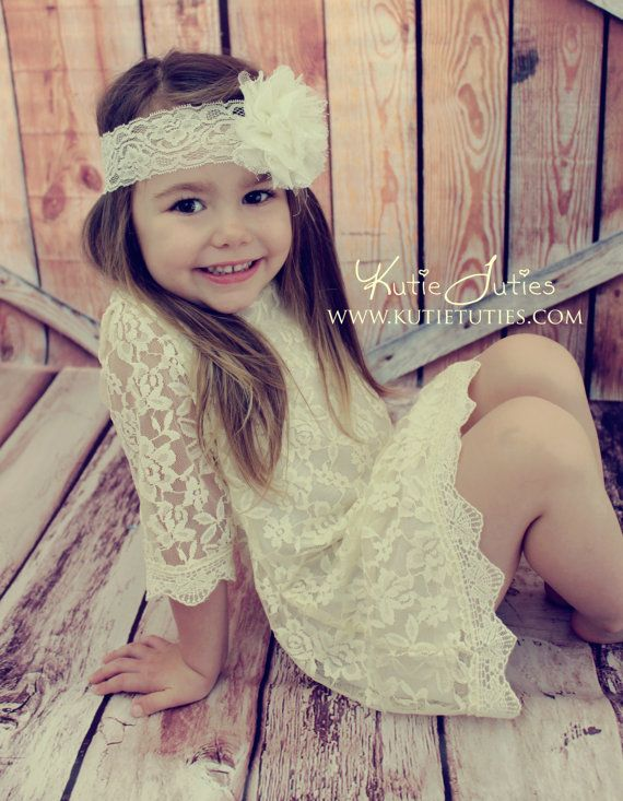 Ivory Lace Dress Flower Girl Ivory Wedding Outfit por KutieTuties