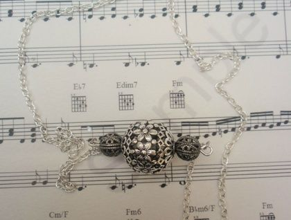 Silver filigree flower bead Necklace