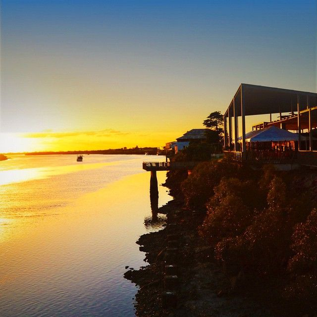 This is the Pioneer River at sunrise. #MeetMackayRegion boasts one of #Australia's blue rivers... Though you can't really tell at dawn! This is our Bluewater Quay in the city that hosts many public events and is always a hive of activity. You can also see here the historic #LiechardtTree that our a pioneer used a their docking point in the early years. and like the town itself it's still going strong. #ThisIsQueensland, I am @cherrieflea and we are built of sturdy stuff!