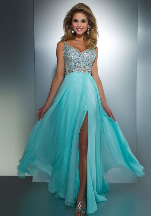 384 best images about Dresses on Pinterest | Peacocks, Prom ...