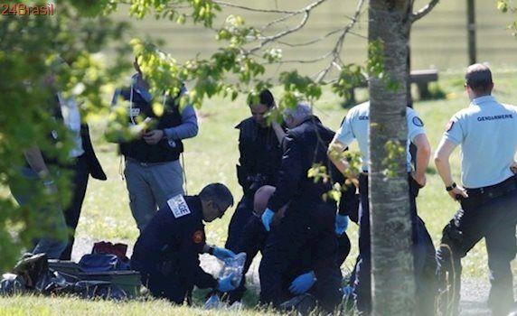 Militantes bascos entregam esconderijos com 120 armas e três toneladas de explosivos a autoridades francesas