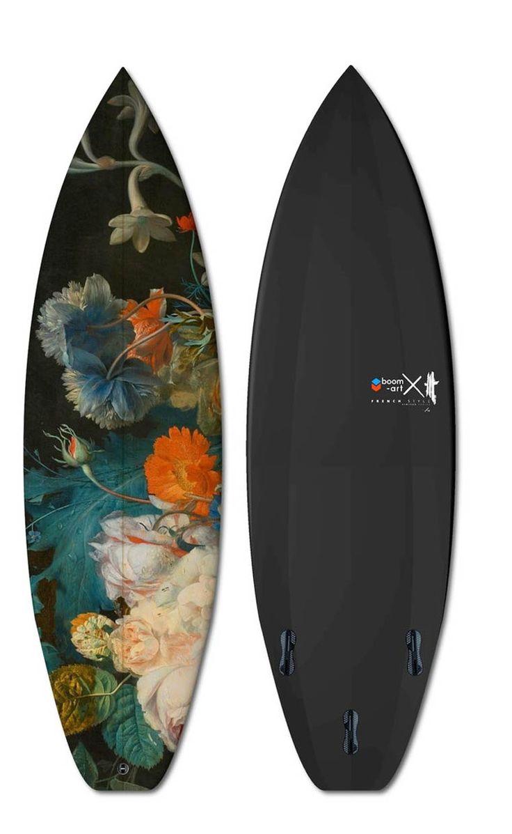 Boom-Art  Surfer avec des oeuvres d'art (image)