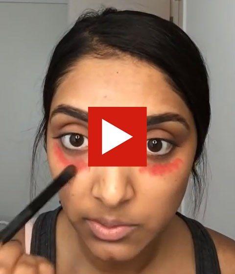 Wie donkere wallen onder zijn ogen heeft, heeft genoeg aan een rode lippenstift om die weg te werken. Dat toont beautyblogster Deepica Mutyala in een filmp...