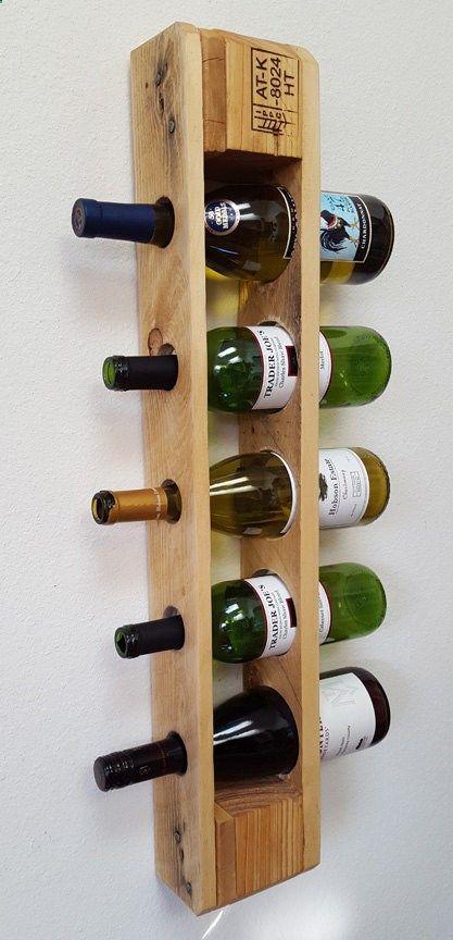 Wine Rack - Styliser la façon dont vous stockez votre vin avec ce support vertical palette de vin ! Lorsquil est monté solidement sur un mur, ce casier à vin unique est capable de tenir cinq bouteilles de taille standard de vin ! -Dimensions : 28,75 haut