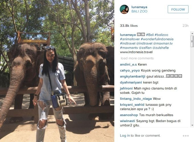Kenakan Jeans Sobek Netizen Penasaran Tato Kupu-kupu Luna Maya : Belum lama ini model cantik Luna Maya mengunggah foto saat dirinya berada di Kebun Binatang (Zoo Park) Bali ke akun Intagram pribadinya. Dia terlihat santai dengan kem
