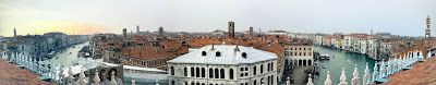 Free observation deck on top of FONDACO DEI TEDESCHI.  Former Post Office, now a Department Store - tripods welcome