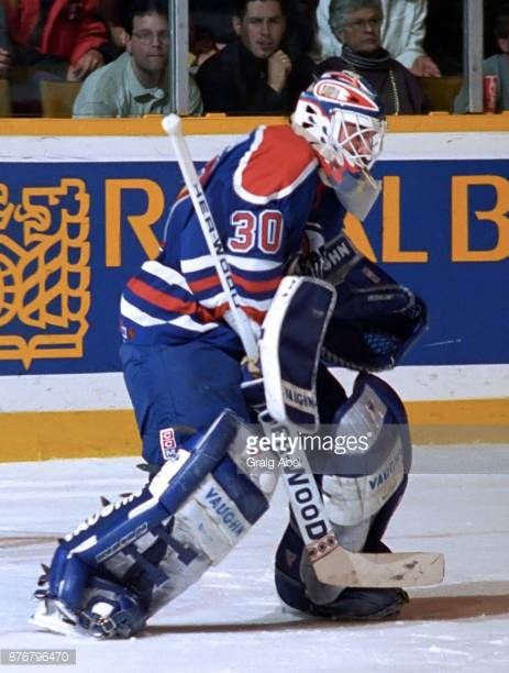 bill-ranford-of-the-edmonton-oilers-skates-against-the-toronto-maple-picture-id876796470 (463×612)