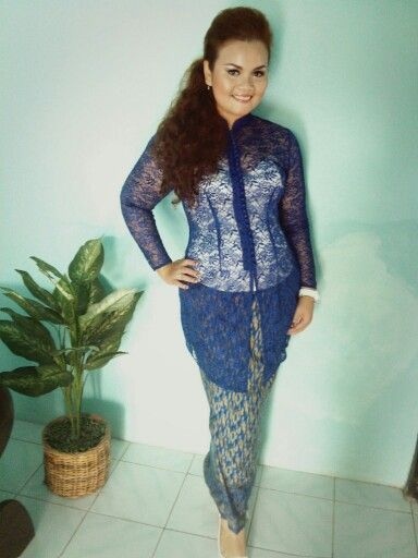 Simple blue #kebaya for a day wedding party.