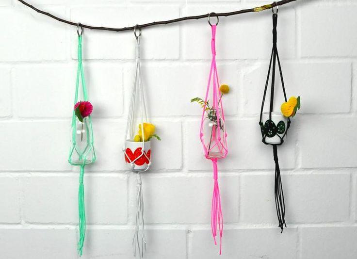 Mini Makramee Blumenampel in verschiedenen Farben von California Dreaming auf DaWanda.com