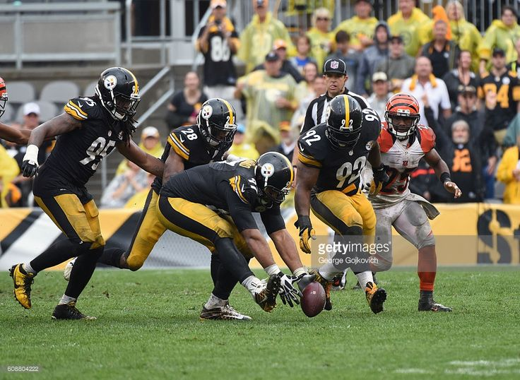 Defensive lineman Cameron Heyward #97 of the Pittsburgh Steelers recovers a fumble by running back Giovani Bernard #25 of the Cincinnati Bengals as linebackers Jarvis Jones #95 and James Harrison #92 and safety Sean Davis #28 pursue the play during a game at Heinz Field on September 18, 2016 in Pittsburgh, Pennsylvania. The Steelers defeated the Bengals 24-16.