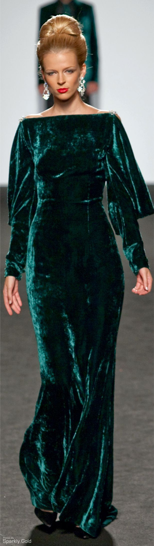 Beautiful emerald green, love the fabric and style... Renato Balestra F/W