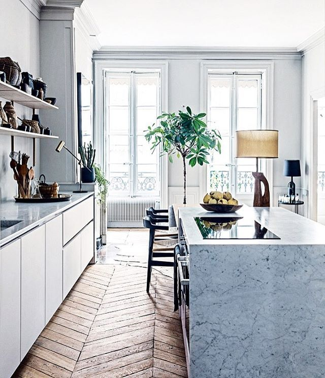 Major kitchen goals (and envy) by @maison_hand_fr #scloves #interiorporn #interiorinspo