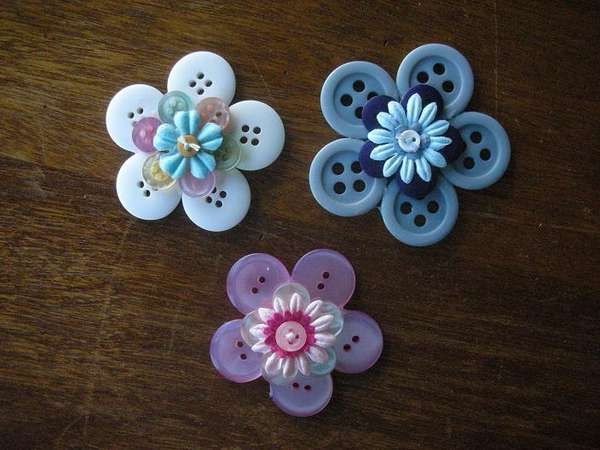 Five Fun Things To Do With Buttons.Crafts Ideas, Button Flowers, Buttons Crafts, Hair Clips, Buttons Ideas, Fun Things, Buttons Flower, Scrapbook Pages, Things To Do