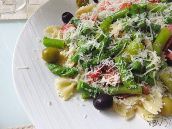 Salada de Espargos com Parmesão