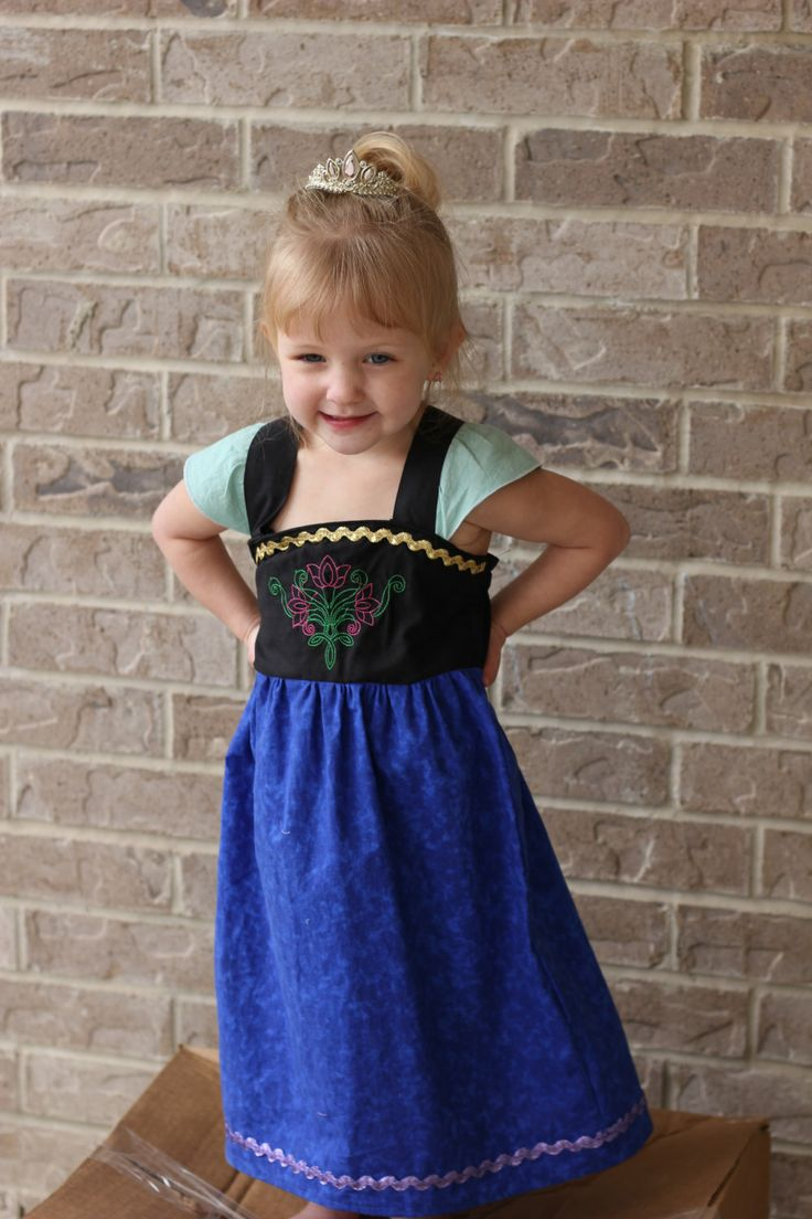 Best 25+ Frozen dress up ideas on Pinterest | Dress up aprons ...