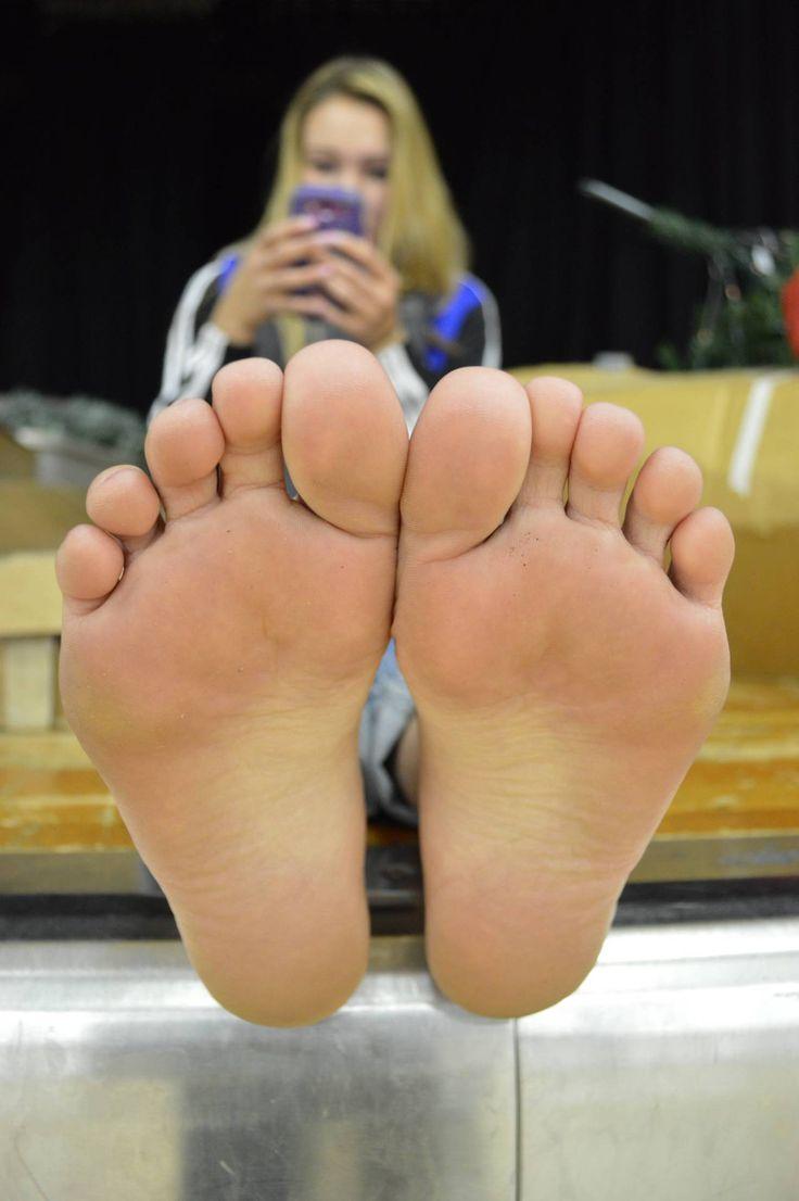 girl tickle feet