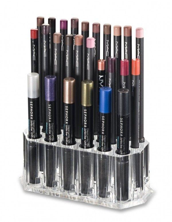 Rangement eyeliner dans une boîte en acrylique  http://www.homelisty.com/rangement-maquillage/