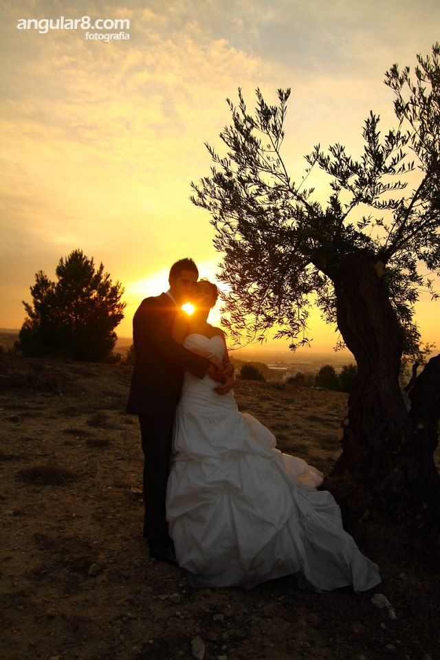 great sunset, warm colors, lovely couple!