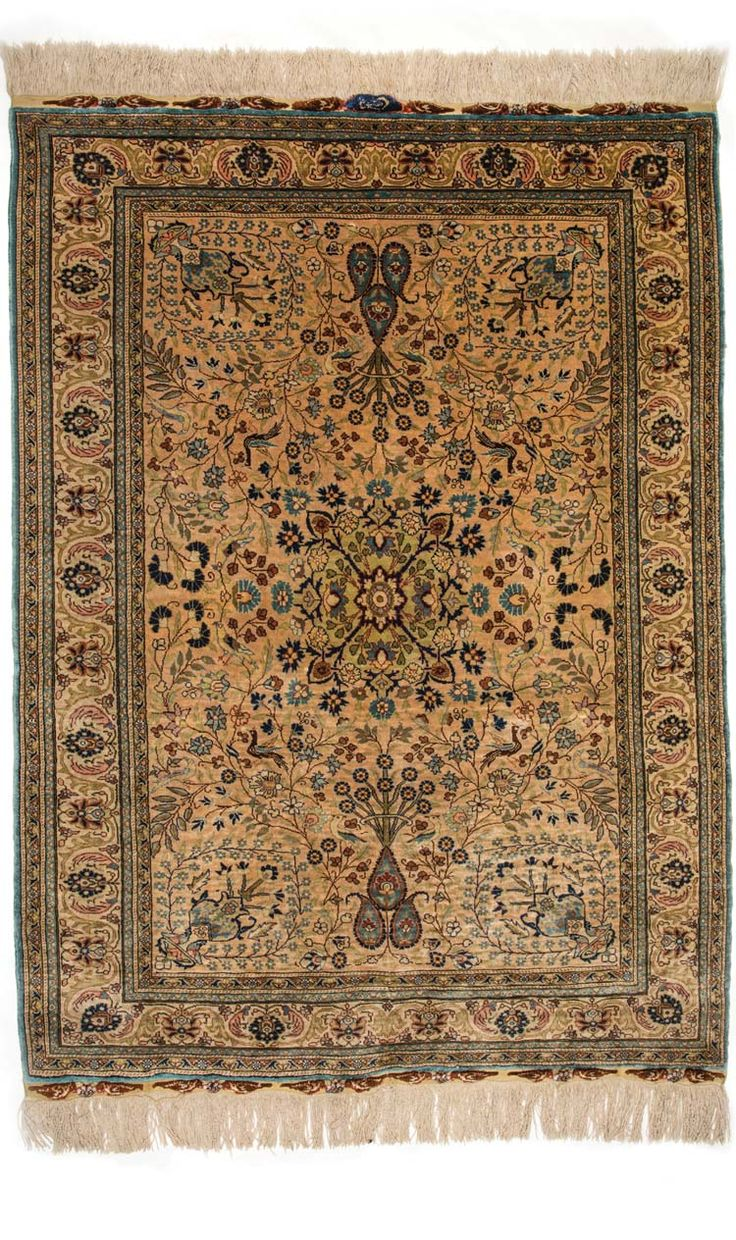 HEREKE SILK CARPET, TURKEY, 20TH CENTURY Dimensions: approx. 156 cm x 115 cm I  Albahie Auction House