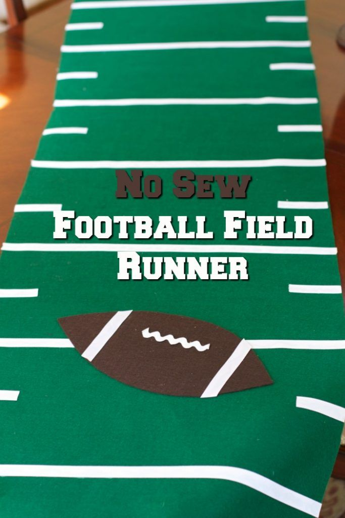 Get ready for some football.  Decorate your next football game viewing party with this NO Sew Football Field Runner Tutorial @samsclub #FamilyPizzaCombo  #ad @cocacola