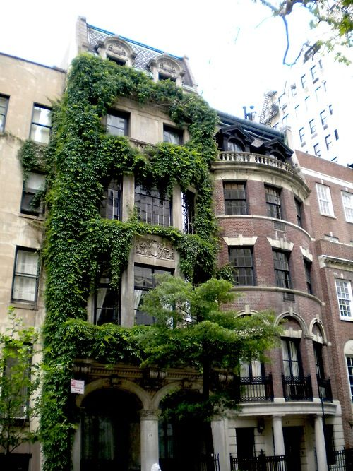 Ivy clad townhouse summer 2010 new york city townhouse for Upper east side townhouses