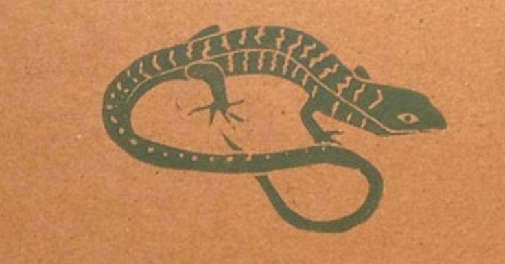 Lizard - linocut print - Mary Larsen, California