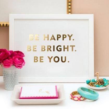 Piękno jest w KAŻDYM z nas!   I każde piękno jest niepowtarzalne, jedyne w swoim rodzaju. Podziel się swoim pięknem - co podoba się Tobie najbardziej w Twojej osobie?  #IlonaBMiles #personal #beauty #motivation