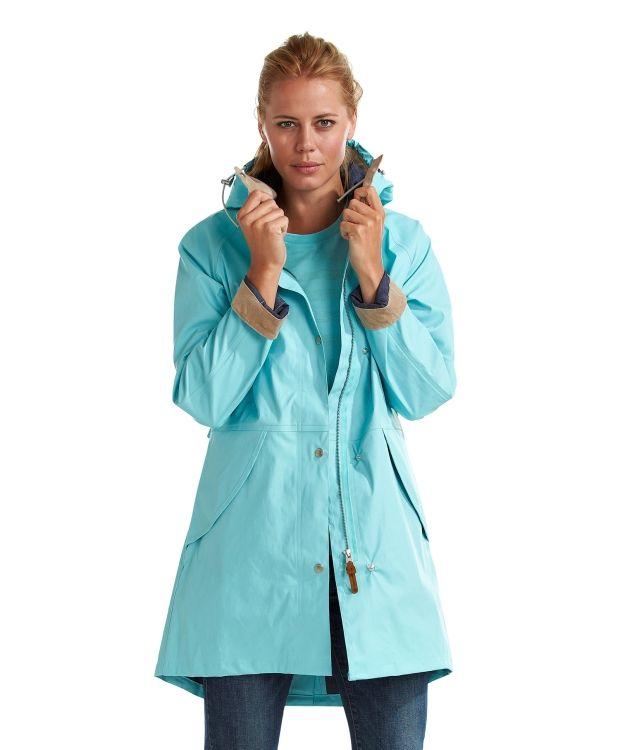 Didriksons SkutevikDidriksons Skutevik - eksklusiv regnkåpe fra Didriksons. Elegant og lekker regnkåpe med tapede sømmer. 100% PU utside med polyester tricot på innsiden. Skutevik Regnkåpen er en del av Didriksons sitt STORM SYSTEM, noe som gjør kåpen særdeles god og slitesterk mot dårlig vær og typisk nordisk klima med skiftende tempraturer. Skall-tekstiler er 100% vanntett og alle sømmer er forseglet med tape og/eller sveiset.